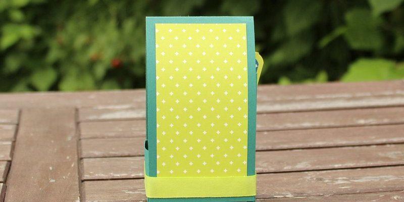 Photo des étiquettes cadeaux et leur boite