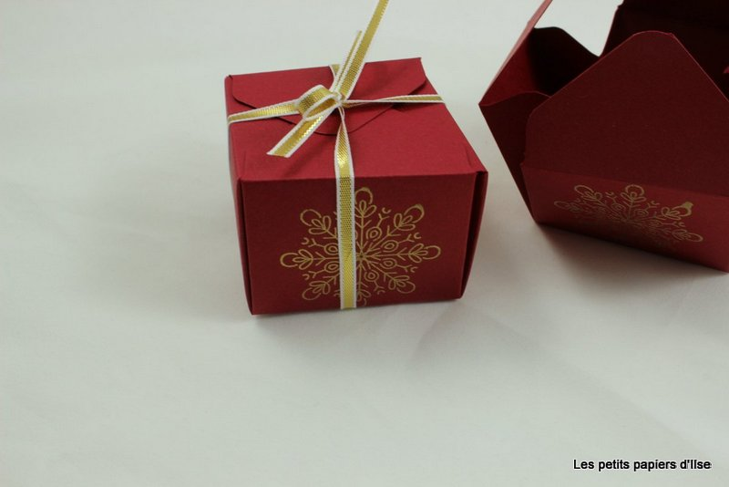 Photo de la boite de noël insta enveloppe