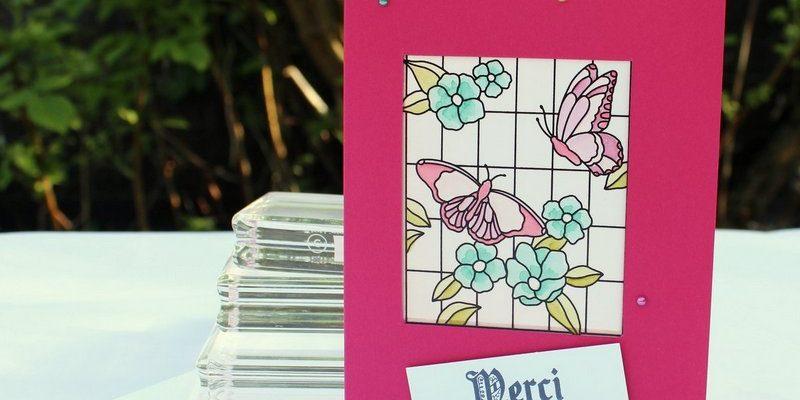 Photo de la carte papillon à la fenêtre