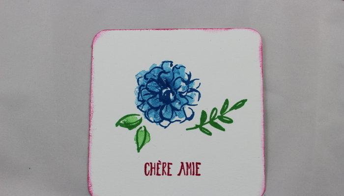 Photo d'une carte à petits boheurs florale
