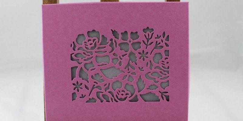 Photo de la boite cadeau pour CD fleurs ouvragées