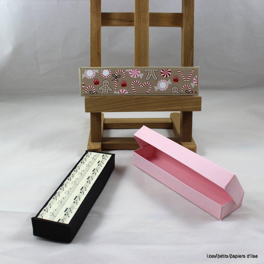 Photo boite à bougies alignées
