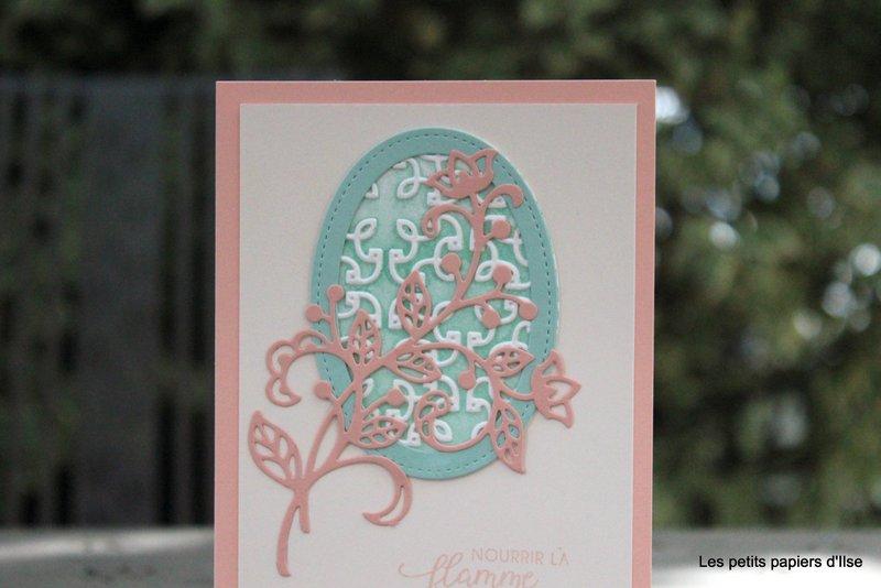 Photo de la carte au treillis fleuri coloré