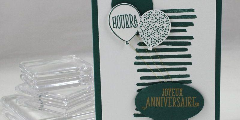 Photo de la carte d'anniversaire lignes et ballons